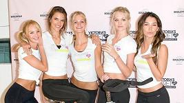 Štíhlá pětice modelek Victoria's Secret.