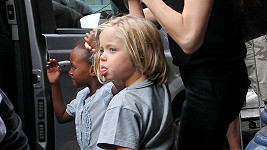 Shiloh Jolie-Pitt očividně nemá ráda fotografy.