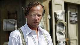 Karel Roden točil střídavě Lidice a seriál Terapie