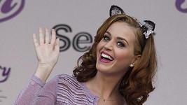 Katy Perry chce poradit s pojmenováním jejího parfému.