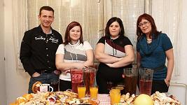Cajthamlová (vpravo) pomáhá obézním ráda. Ne ale problematickým.
