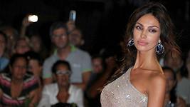 Madalina Diana Ghenea je nádherná žena.