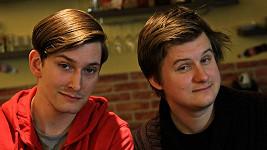 Moderátoři pořadu MenZONE Kryštof Mende (vlevo) a Lukáš Venclík.