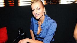 Dara Rolins na tiskové konferenci k České Miss 2011