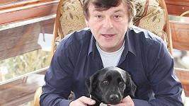 Kříženec labradora Fred byl velkým mazlíčkem Pavla Trávníčka