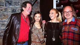 Bolek Polívka a Ondřej Hejma neskrývají radost, že budou spolupracovat s mladičkými zpěvačkami Monikou Bagárovou a Markétou Konvičkovou.
