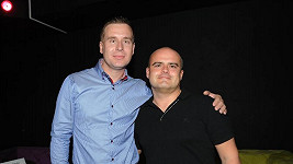 Petr Nárožný ml. (vlevo) s přítelem Michalem Mrkošem