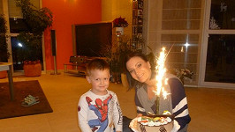 Kristián dostal velký čokoládový dort.