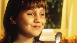 Mara Wilson jako Matilda v rodinné komedii z 90. let
