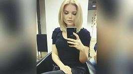 Veronika Stýblová zkrátila vlasy.