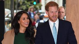 Meghan a Harry se odloučí od královské rodiny.