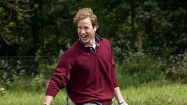 Princ William znovu usedne do lavic v rámci desetitýdenního kurzu.