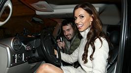 Důkaz, že Eliška opravdu seděla za volantem.