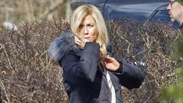 Takhle světlé vlasy ještě Jennifer neměla.