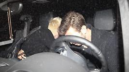 Miley Cyrus s neznámým mužem