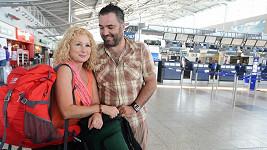 Václav mohl při loučení na letišti na Světlaně oči nechat.