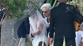 Svatbu uspořádali ve Francii.