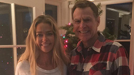 Denise Richards s tatínkem Irvingem