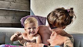 Dominika Mesarošová se synem