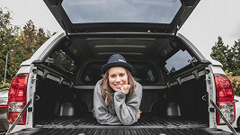 Eva Samková spala na dovolené v autě.