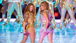 Shakira a Jennifer Lopez předvedly pekelně žhavou show.
