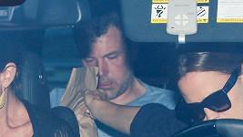 Ben Affleck na cestě do léčebny.