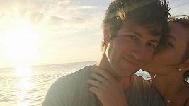 Karlie Kloss se zasnoubila s dlouholetým partnerem Joshuou Kushnerem.