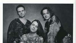 Petr Muk (uprostřed) v kapele Shalom