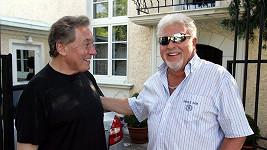 Karel Gott a Milan Drobný na archivním snímku z roku 2010