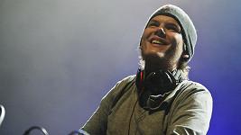 DJ Avicii nečekaně zemřel. Může za to alkohol?