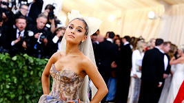 Ariana Grande sbírá jeden úspěch za druhým.