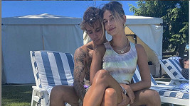 Hailey a Justin Bieberovi jsou stále velmi zamilovaní.