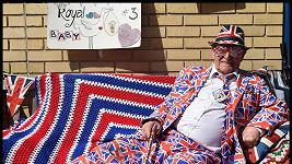 Terry Hutt aka Union Jack Man trpělivě čeká na příchod dalšího královského potomka.