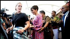 Vévodkyni Meghan museli z tržnice odvést předčasně.