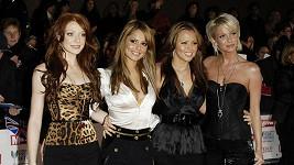 Sarah Harding (úplně vpravo) z kapely Girls Aloud má rakovinu.