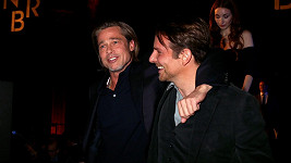 Brada Pitta a Bradleyho Coopera pojí pevné přátelské pouto.