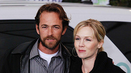 Luke Perry a Jennie Garth