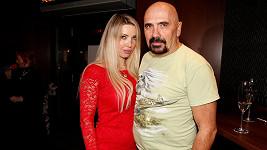Čestmír Řanda ml. s přítelkyní