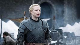 Gwendoline Christie alias Brienne z Tarthu se předvedla v plavkách.