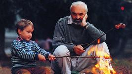 Andrej Chalimon a Zdeněk Svěrák ve filmu Kolja