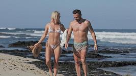 Brian Austin Green randí s krásnou tanečnicí Sharnou Burgess.