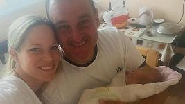 Davide Mattioli s manželkou a jejich synem Sebastianem
