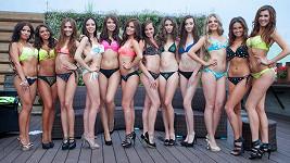 Soutěžící z castingu na soutěž krásy Miss léta 2016