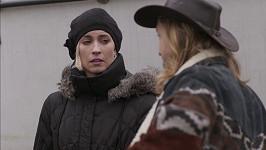 Adéla Petřeková okouzlí Tomáše Kluse v seriálu Na vodě.
