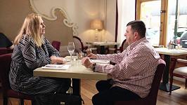 Pavla s Václavem na první večeři, která skončila předčasně.