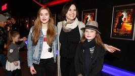 Bára Kodetová s dcerami Lily (vlevo) a Violetou