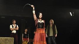 Kateřina Marie Fialová na zkoušce muzikálu Cikáni jdou do nebe