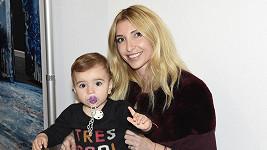 Ivana Mentlová s dcerou Isabelkou, kterou má s fotbalistou Martinem Latkou.