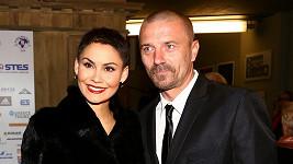 Vlaďka a Tomáš se rozhodli zůstat nadále v manželství. Rozvod je zrušen, ale...