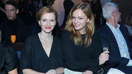Ester Geislerová (vpravo) se sestrou Annou
